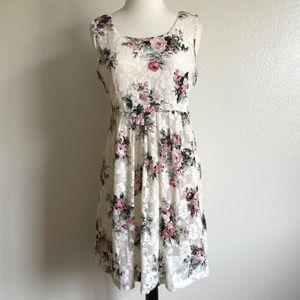 Forever 21 White Lace Floral Roses Skater Dress